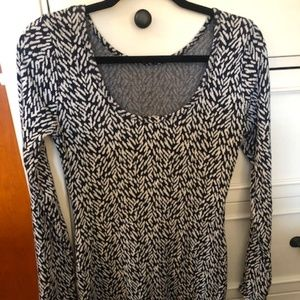 Long-sleeved fitted cocktail dress size small!
